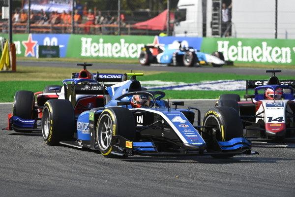 Felipe Drugovich (BRA, Uni-Virtuosi) Enzo Fittipaldi (BRA, Charouz Racing System)