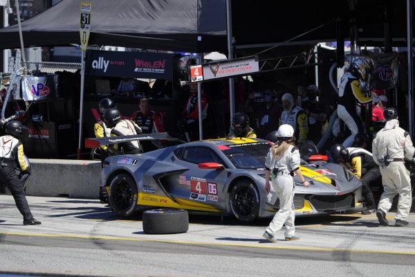 #4: Corvette Racing Corvette C8.R, GTLM: Tommy Milner, Nick Tandy, pit stop