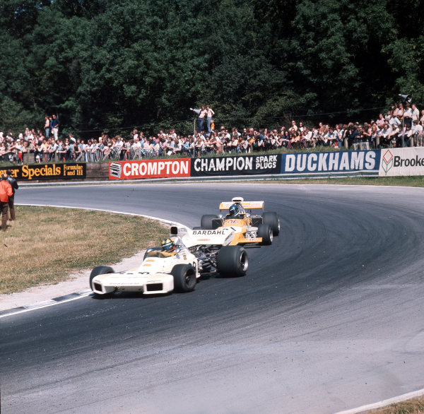 Brands Hatch, England. 13-15 July 1972.Wilson Fittipaldi (Brabham BT34 Ford) leads Mike Beuttler (March 721G Ford). Ref-3/5100F.World Copyright - LAT Photographic