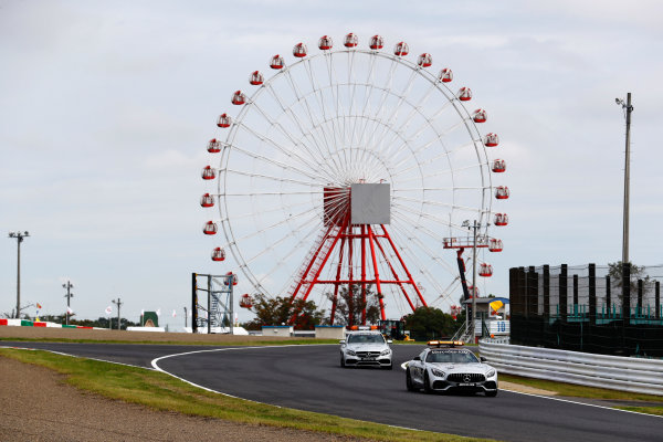 Suzuka Circuit, Japan. Saturday 07 October 2017. The Safety and Medical cars on track. World Copyright: Steven Tee/LAT Images  ref: Digital Image _O3I6774