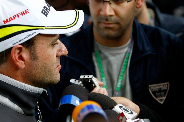Interlagos, Sao Paulo, Brazil.16th October 2009.Rubens Barrichello, Brawn GP BGP001 Mercedes. Portrait.World Copyright: Charles Coates/LAT Photographicref: Digital Image _26Y9586