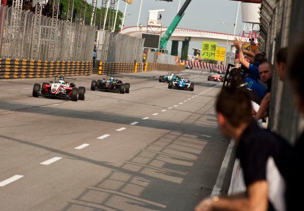 Formula Three. 16th - 19th November 2011. Circuit de Guia, Macau. Roberto Merhi, Prema Powerteam leads Valtteri Bottas, Galaxy Double R Racing. Action. World Copyright: Drew Gibson/LAT Photographic. ref: Digital Image _Y2Z6315