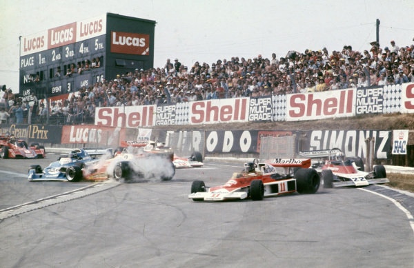 Clay Regazzoni, Ferrari 312T2 spins at the start, causing a red flag and a restart. James Hunt, McLaren M23 Ford, Patrick Neve, Ensign N176 Ford and Jacques Laffite, Ligier JS5 Matra get caught up in the accident.