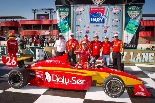 Victory lane: race winnerCarlos Munoz, Andretti Autosport celebrates