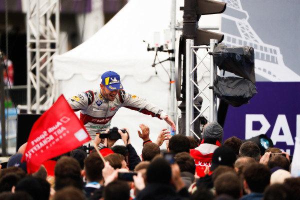 Daniel Abt (DEU), Audi Sport ABT Schaeffler, 3rd position, celebrates as he makes his way to the podium
