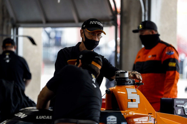 #5: Pato O'Ward, Arrow McLaren SP Chevrolet crew