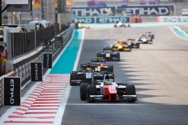 2017 FIA Formula 2 Round 11. Yas Marina Circuit, Abu Dhabi, United Arab Emirates. Sunday 26 November 2017. Sergio Sette Camara (BRA, MP Motorsport).  Photo: Sam Bloxham/FIA Formula 2. ref: Digital Image _W6I3983