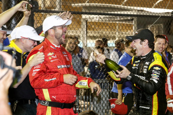 Verizon IndyCar Series Desert Diamond West Valley Phoenix Grand Prix Phoenix Raceway, Avondale, AZ USA Saturday 29 April 2017 Simon Pagenaud, Team Penske Chevrolet podium champagne World Copyright: Michael L. Levitt LAT Images