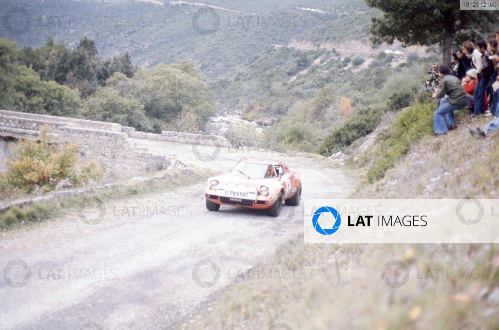1975 World Rally Championship.Tour de Corse, Corsica, France. 8-9 November 1975.Bernard Darniche/Alain Mahe (Lancia Stratos), 1st position.World Copyright: LAT PhotographicRef: 35mm transparency 75RALLY07