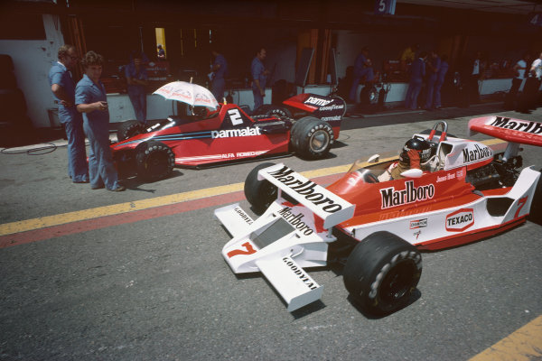 Jarama, Spain. 2-4 June 1978. James Hunt, McLaren M26 Ford, tries a new extra front wing during practice on his McLaren. Ref: 78ESP17. World Copyright - LAT Photographic