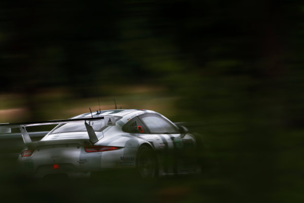 2015 Le Mans 24 Hours. Circuit de la Sarthe, Le Mans, France. Wednesday 10 June 2015. Porsche Team Manthey (Porsche 911 RSR - GTE Pro), Patrick Pilet, Frederic Makowiecki, Wolf Henzler.  Photo: Sam Bloxham/LAT Photographic. ref: Digital Image _SBL6563