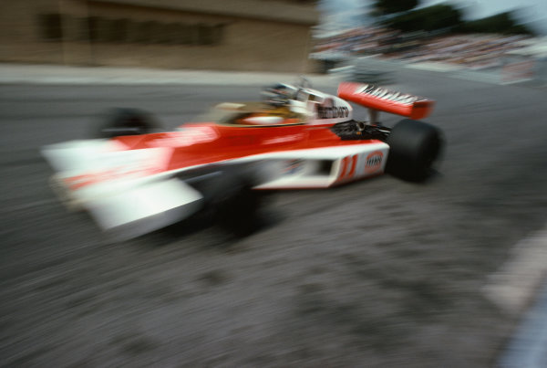Monte Carlo, Monaco. 27th - 30th May 1976. James Hunt (McLaren M23-Ford), retired, action.  World Copyright: LAT Photographic.  Ref:  76 MON 49.