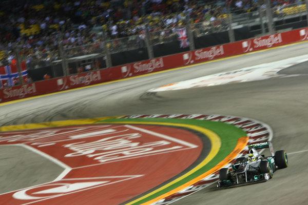 Marina Bay Circuit, Singapore.24th September 2011.Nico Rosberg, Mercedes GP W02. Action. World Copyright: Andy Hone/LAT Photographicref: Digital Image CSP28276