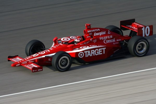 Dan Wheldon (GBR), Target Ganassi Racing Dallara Honda won the pole and the race.