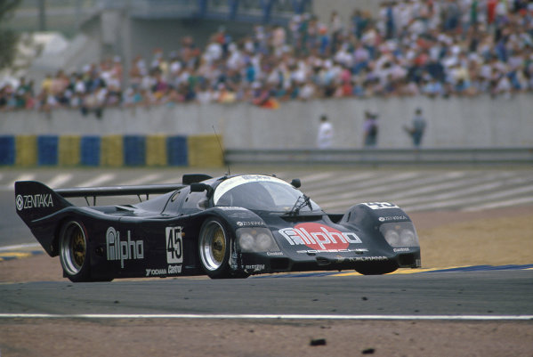 Le Mans, France. 20th - 21st June 1990.Tiff Needell/David Sears/Anthony Reid (Porsche 962C), 3rd position, action.World Copyright: LAT Photographic.Ref:  90LM28