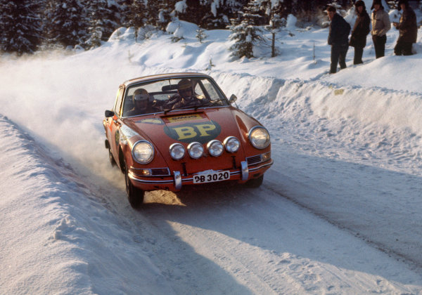 Swedish Rally. Karlstad, Sweden. 11th - 15th February 1970.Ronnie Peterson/ Sven-Olaf Svedberg ( Porsche 911L), retired, action. World Copyright: LAT Photographic.Ref:  70SWERALLY48.