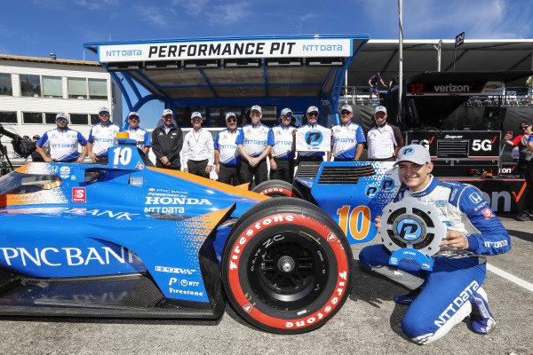 #10: Alex Palou, Chip Ganassi Racing Honda celebrates winning the NTT P1 Award for the pole