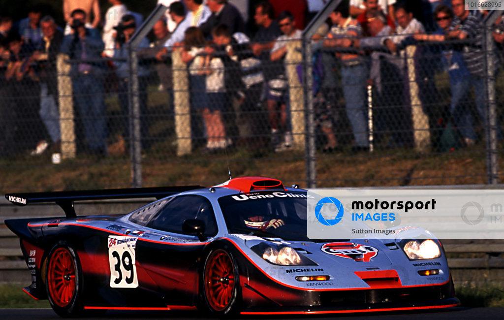 Andrew Gilbert-Scott (GBR) / Ray Bellm (GBR) / Masanori Sekiya (JPN) Gulf Team Davidoff McLaren F1 GTR at Le Mans 24 Hours, Le Mans, France, 14-15 June 1997.