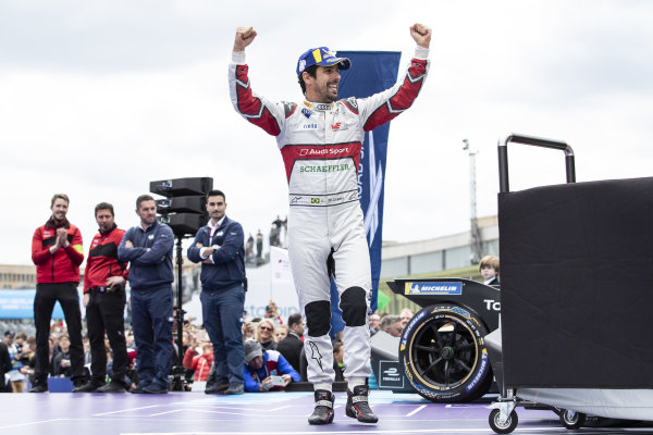Lucas Di Grassi (BRA), Audi Sport ABT Schaeffler, 1st position, on the podium