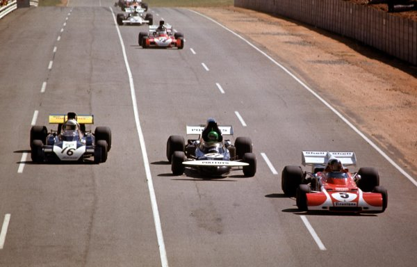 1972 South African Grand Prix.Kyalami, South Africa.2-4 March 1972.Jacky Ickx (Ferrari 312B2) leads Henri Pescarolo (March 721 Ford) and Tim Schenken (Surtees TS9B Ford).Ref-72 SA 09.World Copyright - LAT Photographic