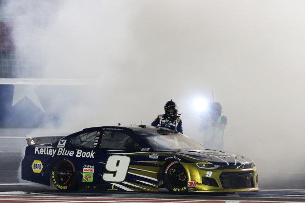 Race winner Chase Elliott, Hendrick Motorsports Chevrolet Kelley Blue Book Copyright: Chris Graythen/Getty Images