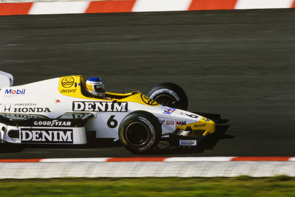 Keke Rosberg, Williams FW09B Honda.