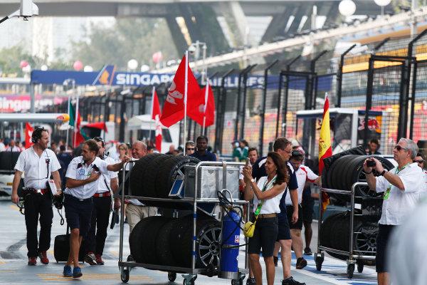 2015 TCR International Series Round 9. Marina Bay Circuit, Singapore. Sunday 20 September 2015. Tyres. World Copyright: Sam Bloxham/LAT Photographic. ref: Digital Image _SBL8810