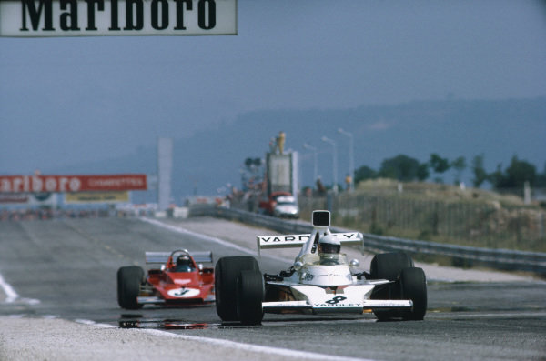 1973 French Grand Prix.  Paul Ricard, Le Castellet, France. 29th June - 1st July 1973.  Jody Scheckter, McLaren M23 Ford, leads Jacky Ickx, Ferrari 312B3.  Ref: 73FRA76. World Copyright: LAT Photographic