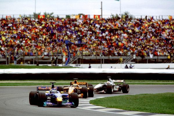 Indianapolis, Indiana, USA. 22-24 September 2000.Pedro Diniz (Sauber C19 Petronas) followed by Pedro de la Rosa (Arrows A21 Supertec) and David Coulthard (McLaren MP4/15 Mercedes).Ref-2k USA A38.World Copyright - Coates/LAT Photographic