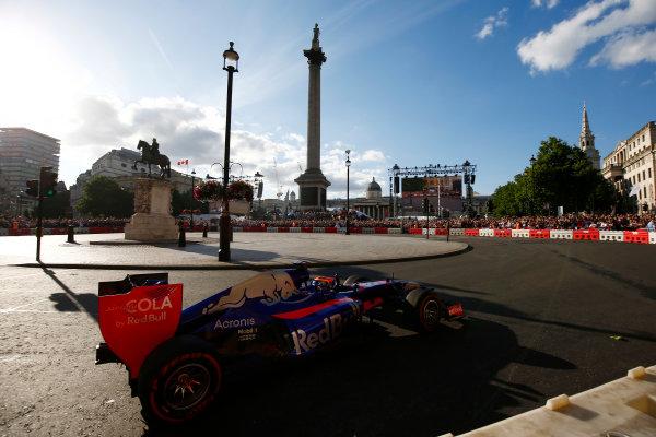 London, United Kingdom.  Wednesday 12 July 2017. Carlos Sainz Jr, Toro Rosso STR12 Renault.  World Copyright: Andy Hone/LAT Images  ref: Digital Image _ONZ2398