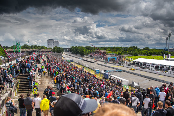 2017 DTM Round 4 Norisring, Nuremburg, Germany Saturday 1 July 2017. Race action World Copyright: Mario Bartkowiak/LAT Images ref: Digital Image 2017-07-01_DTM_Norisring_R1_0339