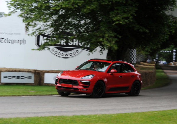 2016 Goodwood Festival of Speed Goodwood Estate, West Sussex,England 23rd - 26th June 2016 Moving Motor Show Porsche Macan S World Copyright : Jeff Bloxham/LAT Photographic Ref : Digital Image