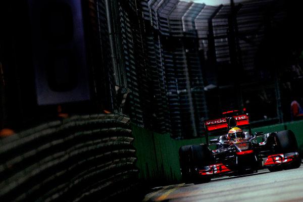 Marina Bay Circuit, Singapore.24th September 2011.Lewis Hamilton, McLaren MP4-26 Mercedes. Action. World Copyright:Glenn Dunbar/LAT Photographicref: Digital Image _G7C6607