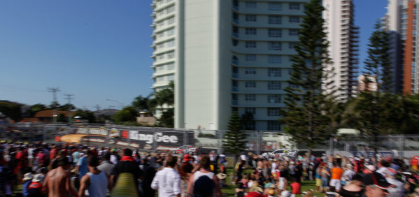 Gold Coast 600, Surfers Paradise, Queensland, Australia. 22nd - 24th October 2010.V8 Supercar,Supercars,Holden,Toll Holden Racing Team,HRT,Car 2,Garth Tander,Cameron McConville,Commodore VE,endurance,enduro.World Copyright: Mark Horsburgh/LAT Photographic.Ref: 2-HRT-EV11-10-25088.