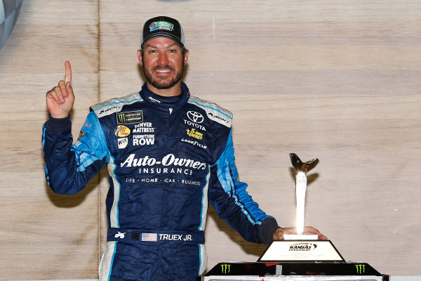 Monster Energy NASCAR Cup Series Go Bowling 400 Kansas Speedway, Kansas City, KS USA Sunday 14 May 2017 Martin Truex Jr, Furniture Row Racing, Auto-Owners Insurance Toyota Camry celebrates in victory lane  World Copyright: Russell LaBounty LAT Images ref: Digital Image 17KAN1rl_7950