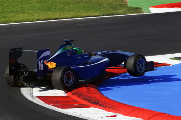 Lucas Foresti (ITA) Carlin spins an beaches himself on the chicane.