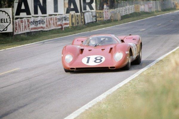 1969 Le Mans 24 hours. Le Mans, France. 14-15 June 1969. Pedro Rodriguez/David Piper (Ferrari 312P), retired. World Copyright: LAT Photographic Ref: 69LM11.