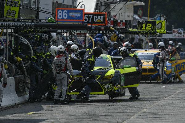 #12 AIM Vasser Sullivan Lexus RC F GT3, GTD: Frank Montecalvo, Townsend Bell Pit Stop.