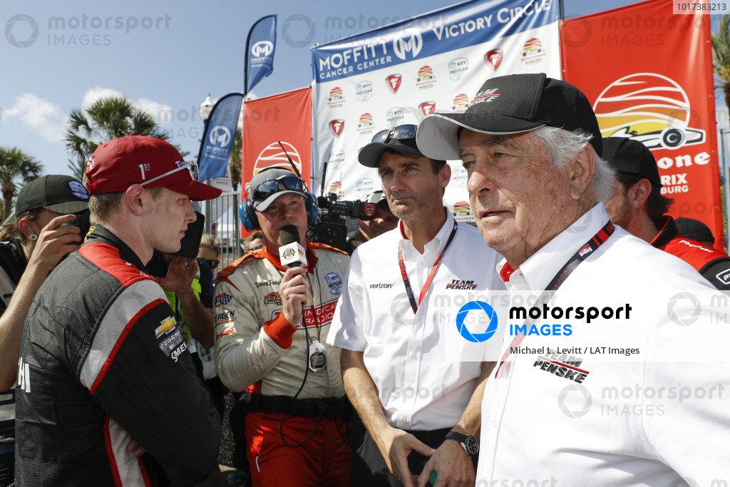 Josef Newgarden, Team Penske Chevrolet, Tim Cindric, Roger Penske with