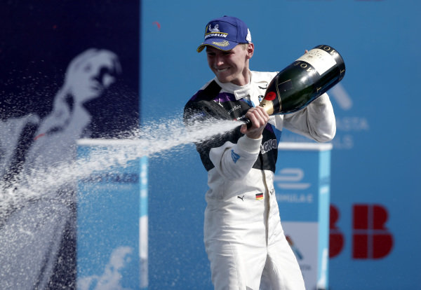Race winner Maximilian Günther (DEU), BMW I Andretti Motorsports celebrates on the podium