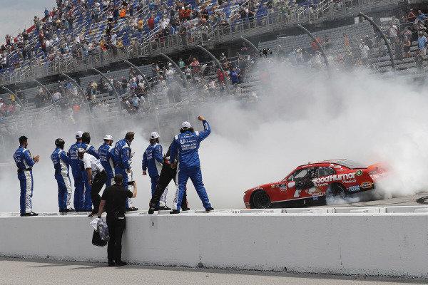 #7: Justin Allgaier, JR Motorsports, Chevrolet Camaro Good Humor Ice Cream celebrates his win