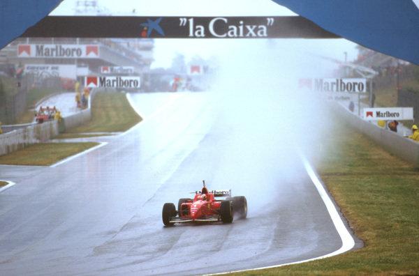 Catalunya, Barcelona, Spain.31/5-2/6 1996.Michael Schumacher (Ferrari F310) 1st position at Elf.Ref-96 ESP 04.World Copyright - LAT Photographic