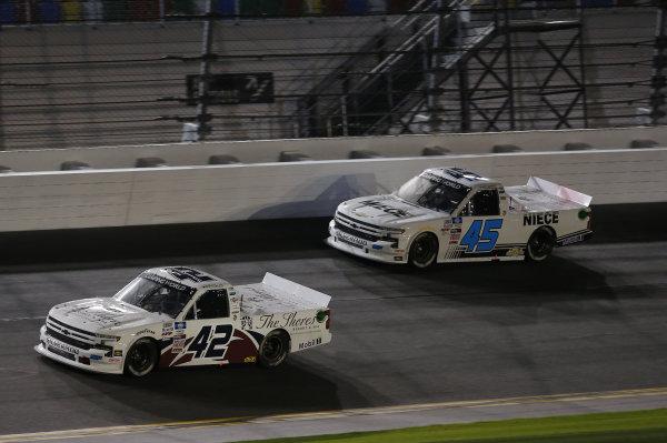 #42: Carson Hocevar, Niece Motorsports, Chevrolet Silverado, #45: Brett Moffitt, Niece Motorsports, Chevrolet Silverado