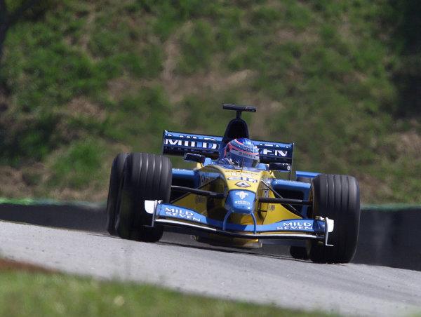 2002 Brazilian Grand Prix - PracticeInterlagos, Brazil. 29 March 2002Jenson Button (Renault R202). World Copyright: Pic Steve Etherington/LAT PhotographicRef: xxmb Digital Image Only