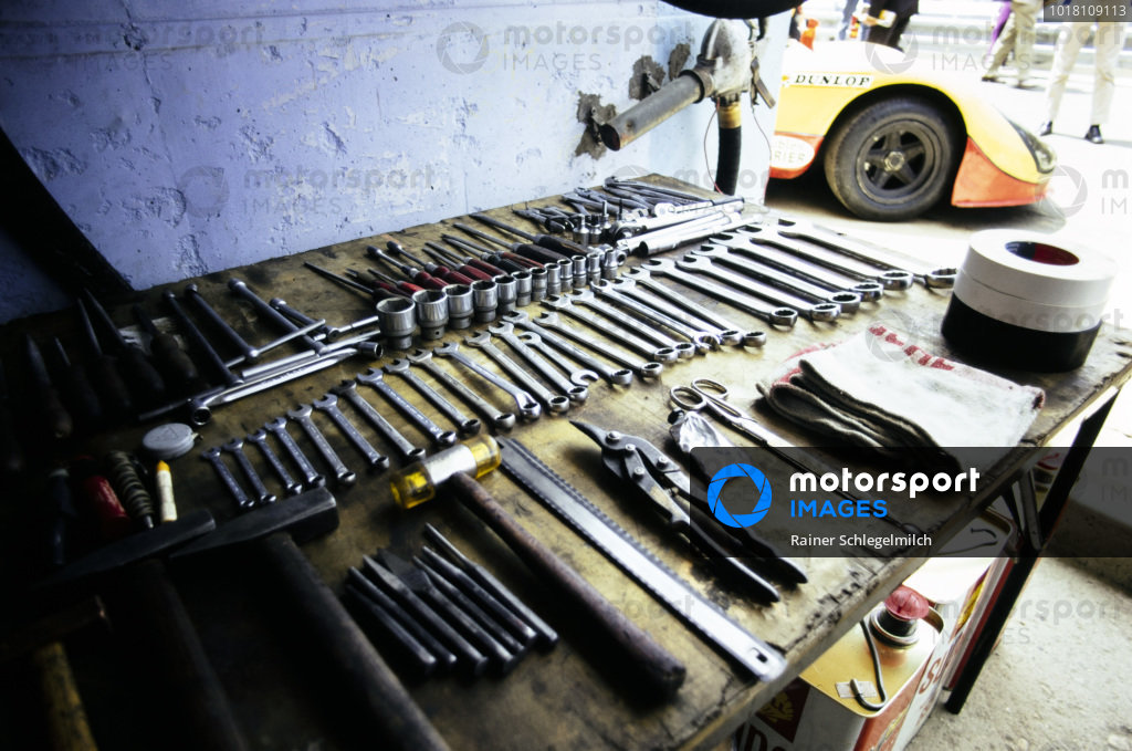 Tools laid out ready for the race.