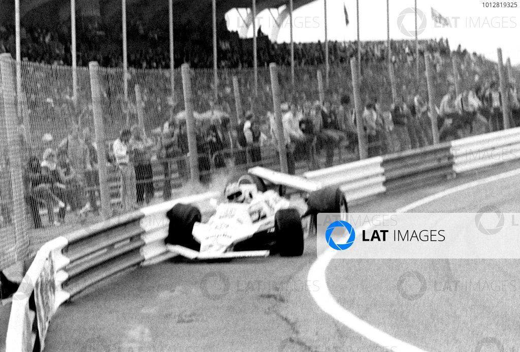 FIA Formula One World Championship1980 Dutch Grand Prix, Zandvoort, Netherlands.Alan Jones (Williams) Crashes. Action.World Copyright: LAT Photographic.ref: 60mb B&W Scan.