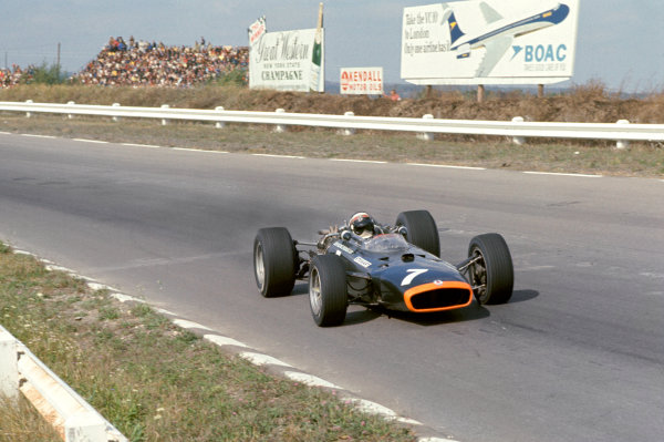 1967 United States Grand Prix.Watkins Glen, New York, USA. 30/9-1/10 1967.Jackie Stewart (BRM P115).Ref-35mm 67 USA 03.World Copyright - LAT Photographic