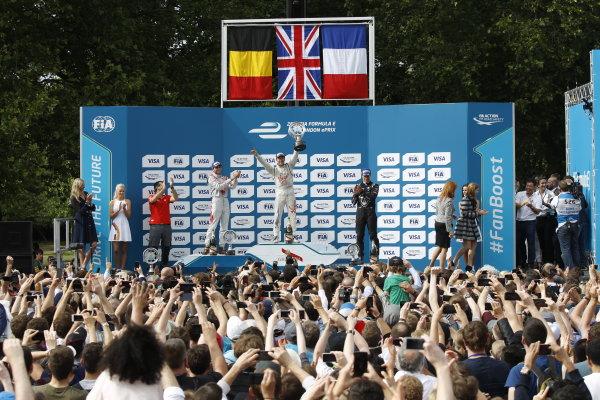2014/2015 FIA Formula E Championship. London e-Prix, Battersea Park, London, UK. Sunday 28 June 2015. Sam Bird (GBR)/Virgin Racing - Spark-Renault SRT_01E Loic Duval (FRA)/Dragon Racing - Spark-Renault SRT_01E and Jerome D'Ambrosio (BEL)/Dragon Racing - Spark-Renault SRT_01E celebrate on the podium. World Copyright: Sam Bloxham/LAT Photographic/Formula E. ref: Digital Image _G7C8642