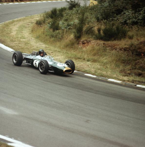 Brands Hatch, England.9-11 July 1964.Dan Gurney (Brabham BT7 Climax).Ref-3/1334.World Copyright - LAT Photographic