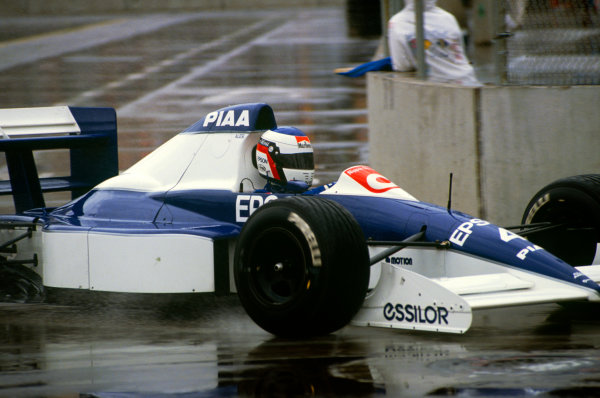 Phoenix, Arizona.9th - 11th March 1990.Jean Alesi, Tyrrell 018-Ford, 2nd position. Action.World Copyright: LAT Photographicref: 35mm Transparency Image, 60mb scan